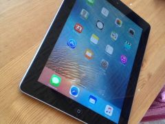 iPad Wi-Fi 4G 32GB Black (MD367KS/A)
