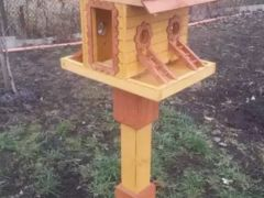 Кормушка для птиц, белок