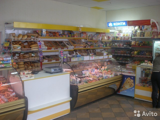 Rent retail space cafe shops in Savona