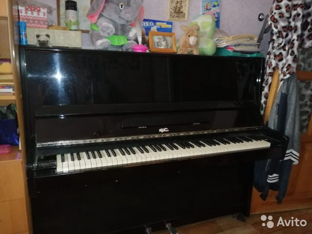 тимонина баночка под пианино фото много