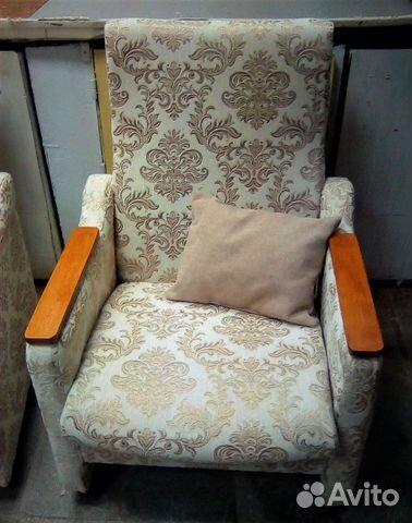 Кресла 2 шт на 4 колесах + 2 подушки
