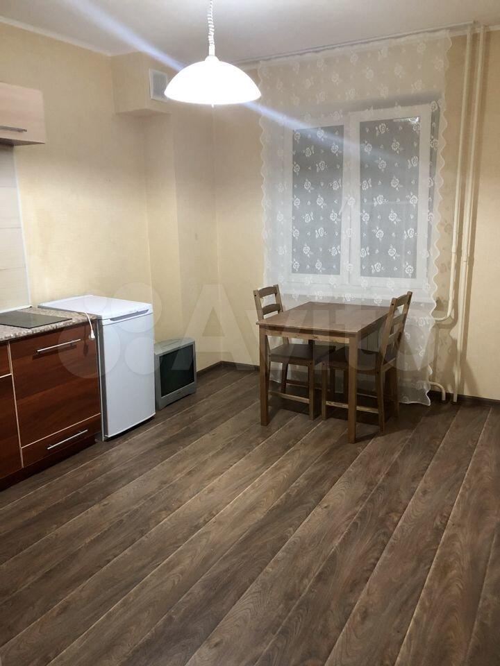 1-к квартира, 42 м², 3/5 эт.
